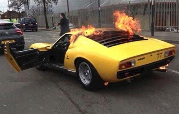 В автомастерской случайно уничтожили суперкар за 1,6 миллионов долларов 2