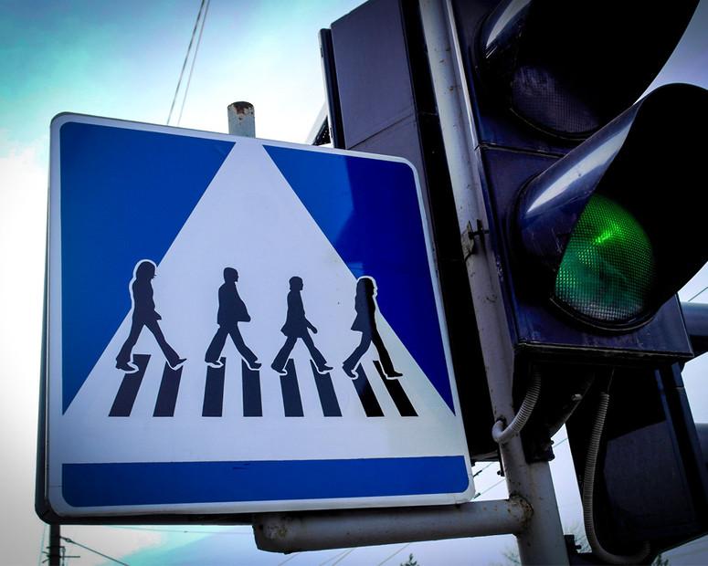 В Украине появился уникальный пешеходный переход «с Beatles» 1