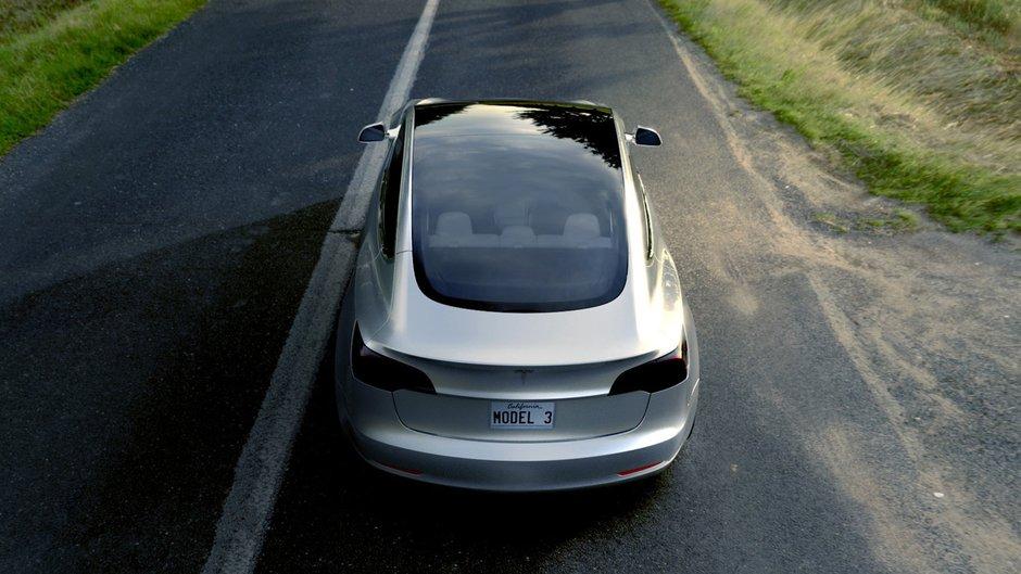 Все плюсы и минусы Tesla Model 3 1