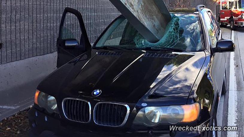 «Богатые тоже бьются»: фото элитных авто после «дорожной неудачи» 1