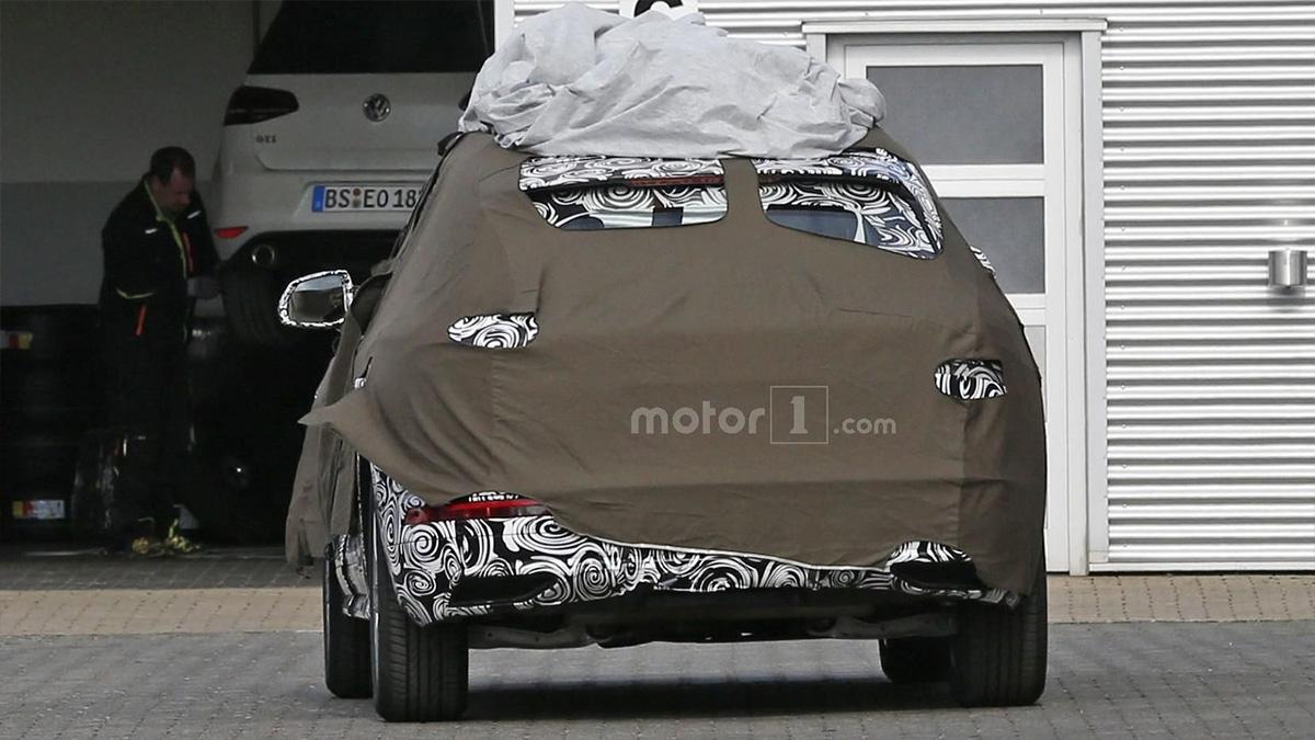 В Сети появились шпионские фото нового Audi Q3 3