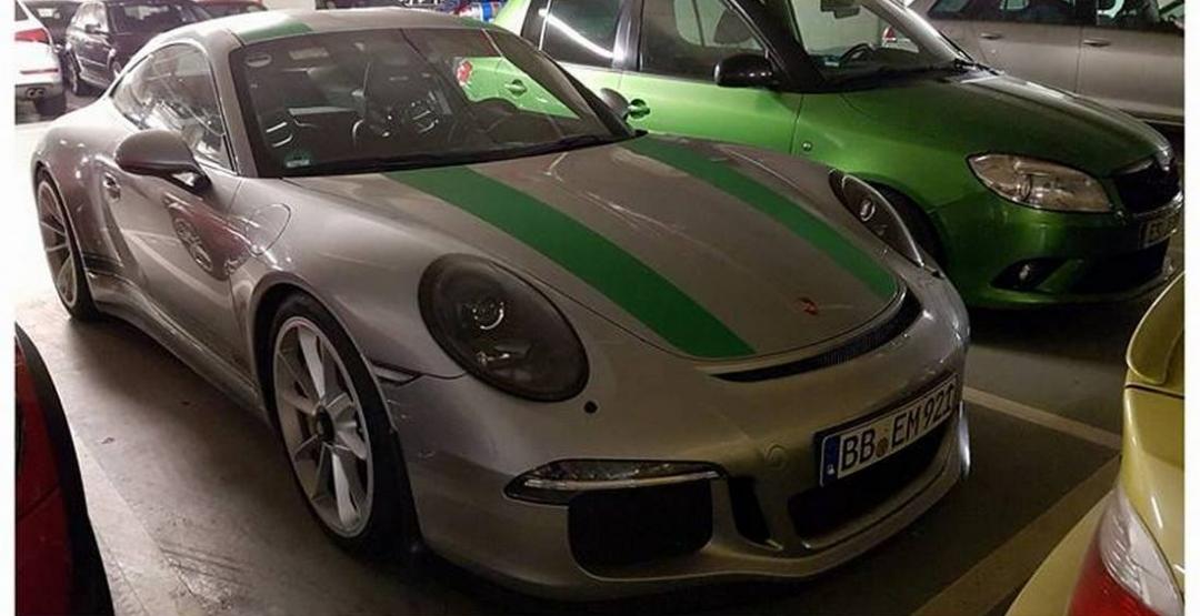 Уникальный Porsche 911 R Limited edition заметили на парковке 1