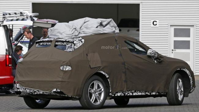 В Сети появились шпионские фото нового Audi Q3 2