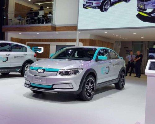 Новый электромобиль способен пройти 350 км на максимальной скорости 1