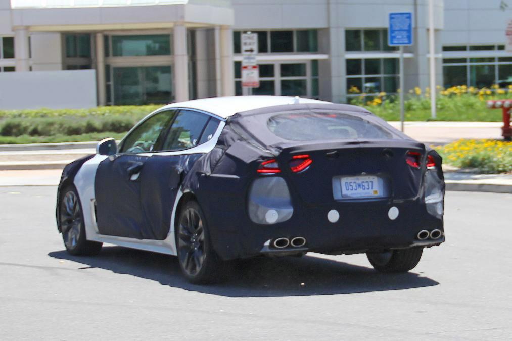 Новый седан Kia вышел на дорожные испытания 2
