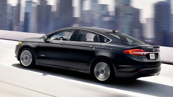 Новый Ford Fusion стал самым «дальнобойным» гибридным автомобилем Америки 2