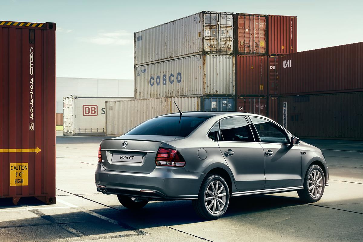 Компания Volkswagen представила мощный бюджетный седан 3