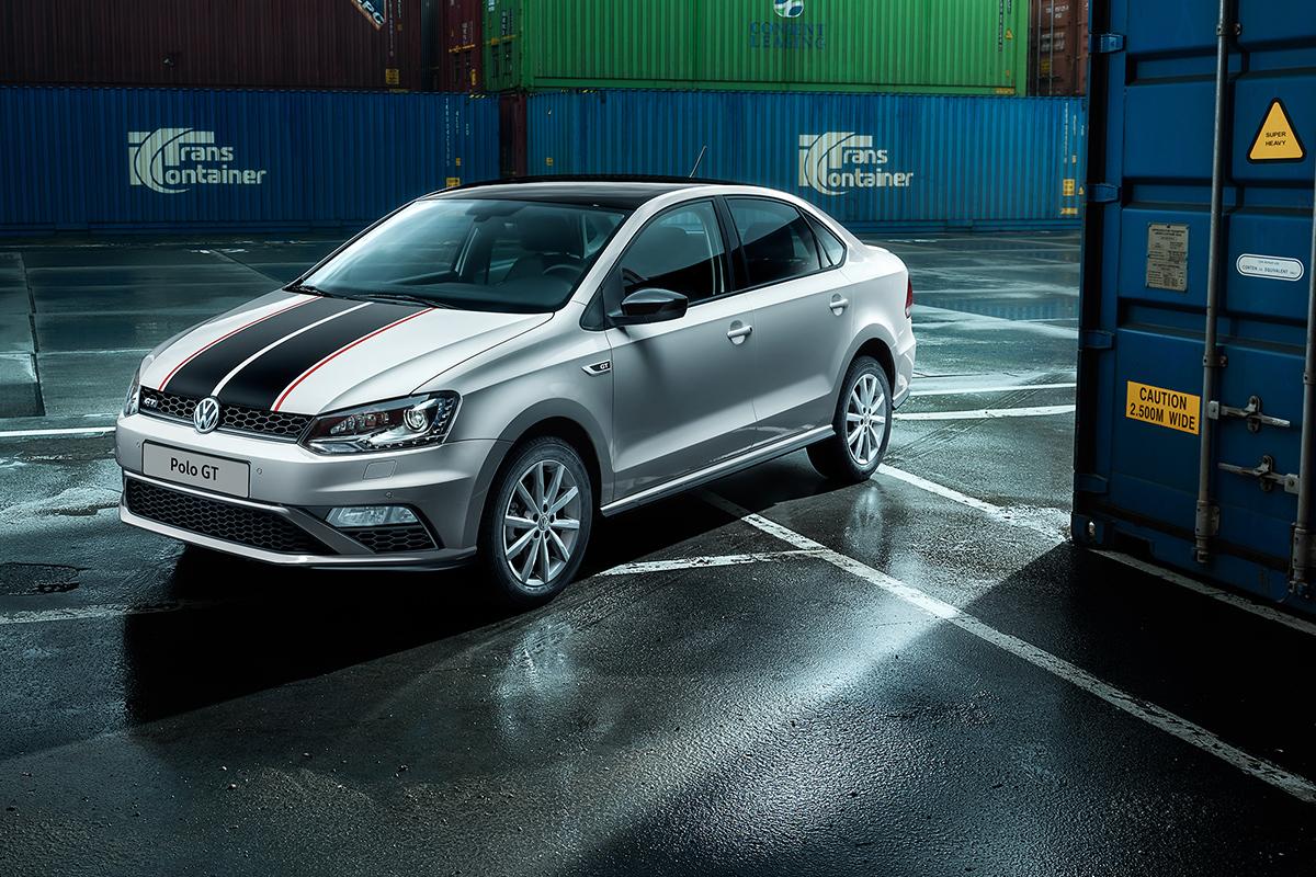 Компания Volkswagen представила мощный бюджетный седан 4