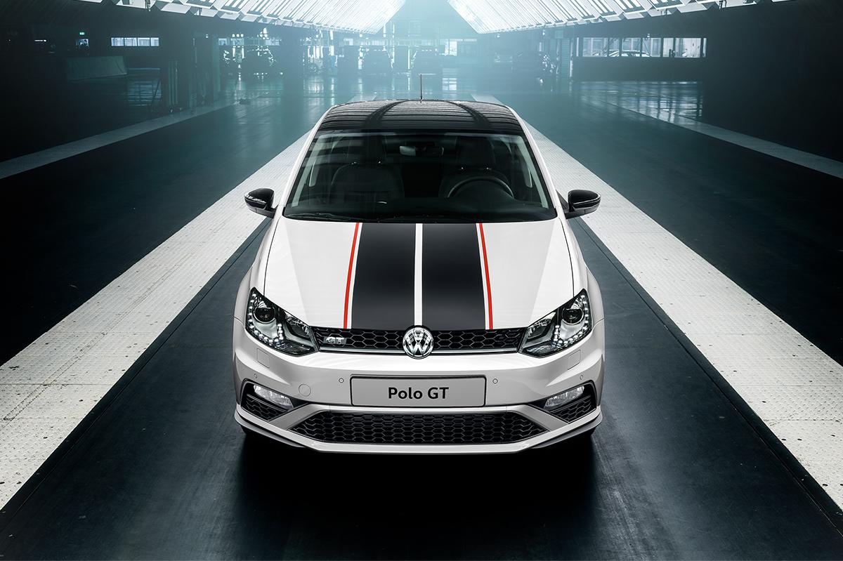 Компания Volkswagen представила мощный бюджетный седан 1