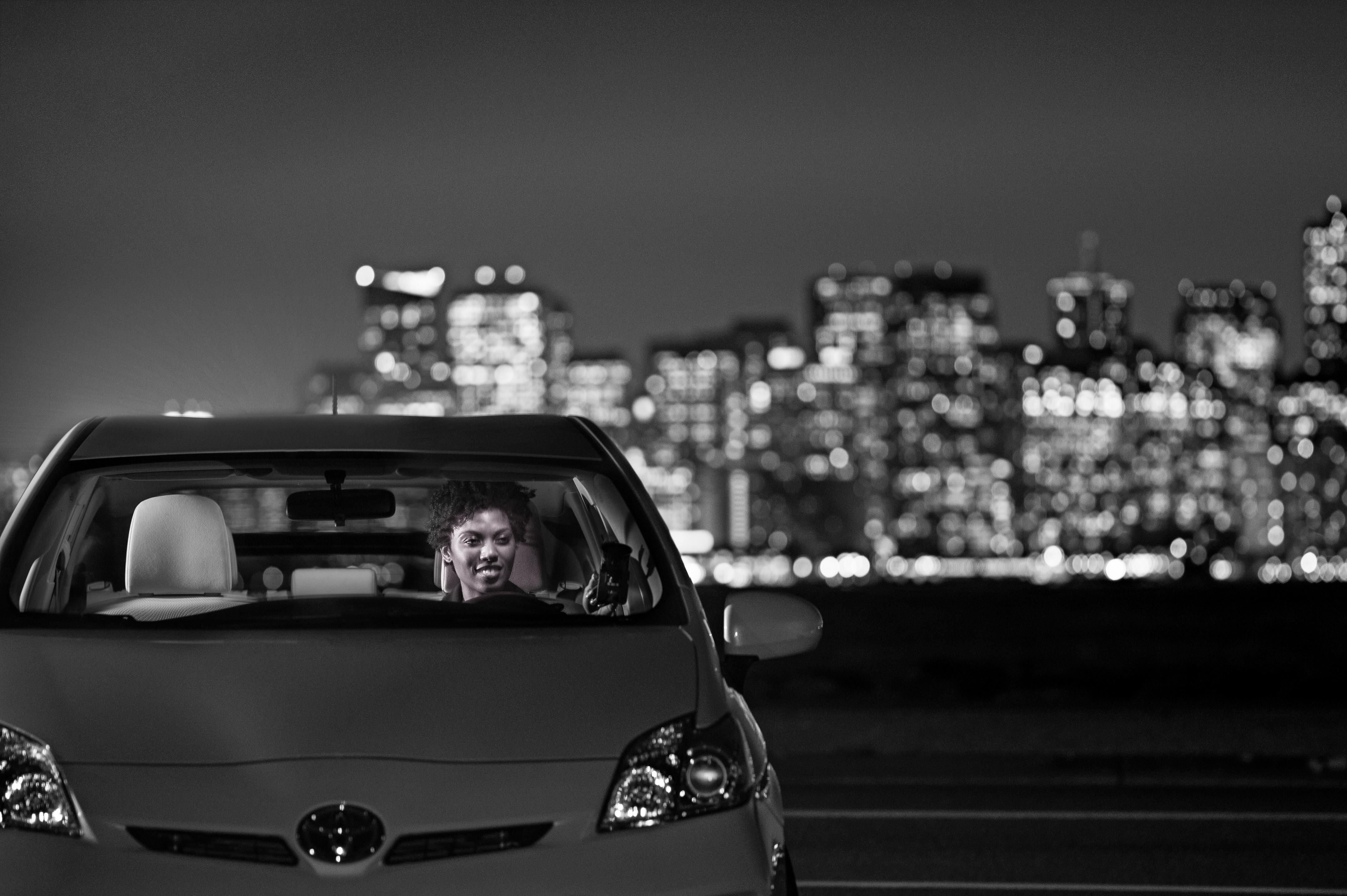 Toyota инвестирует средства в сервис такси Uber 2