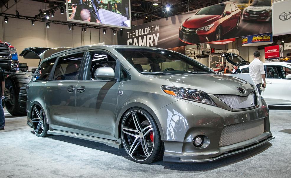Toyota срочно отзывает 1,58 млн. автомобилей Yaris и Corolla 2