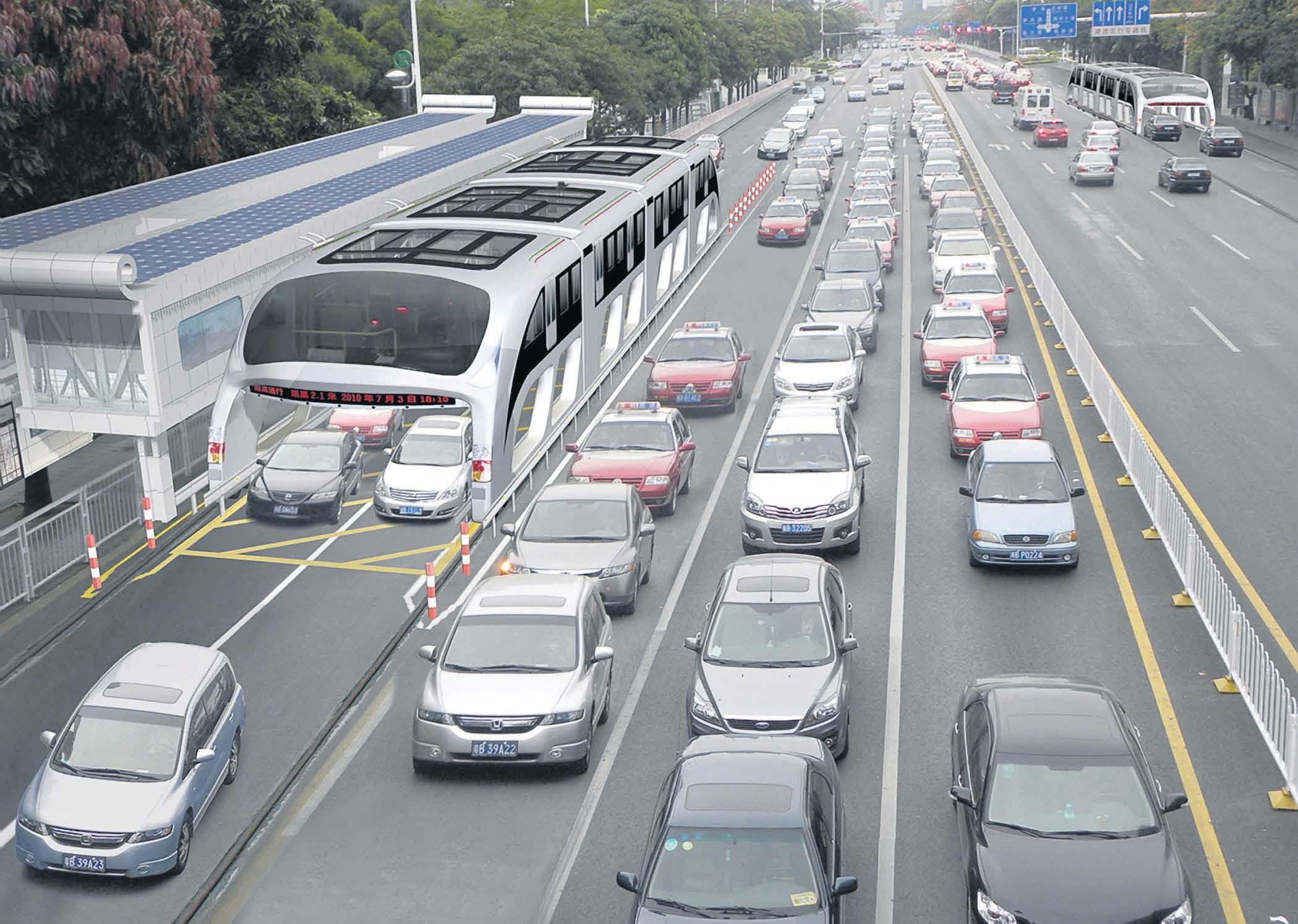 В Китае изобрели автобус, который передвигается над автомобилями 1