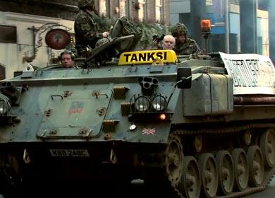На улицы Лондона вышли танки-такси 2