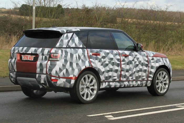 Обновленный Range Rover получил новую «начинку» 3