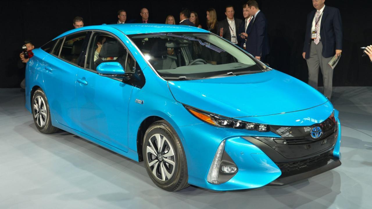 Toyota продала 9 миллионов гибридных автомобилей 2