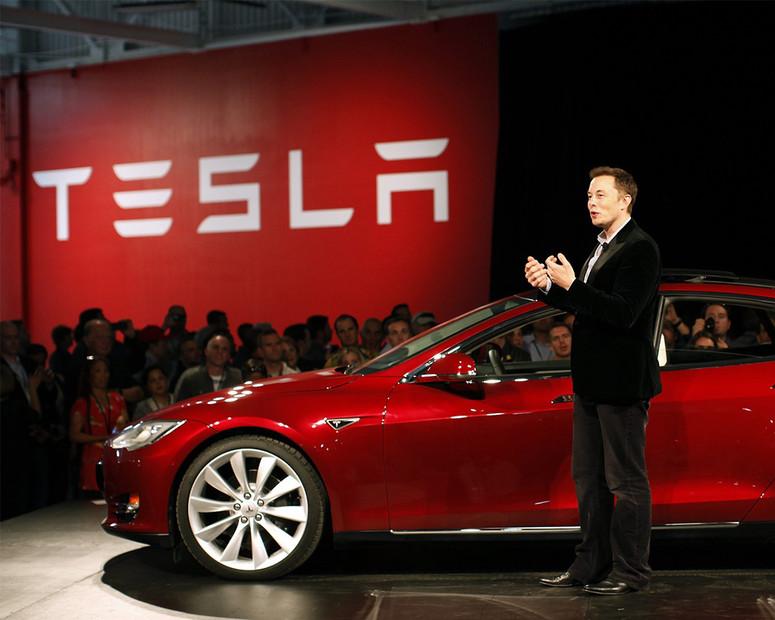 Компания Tesla теряет клиентов 1