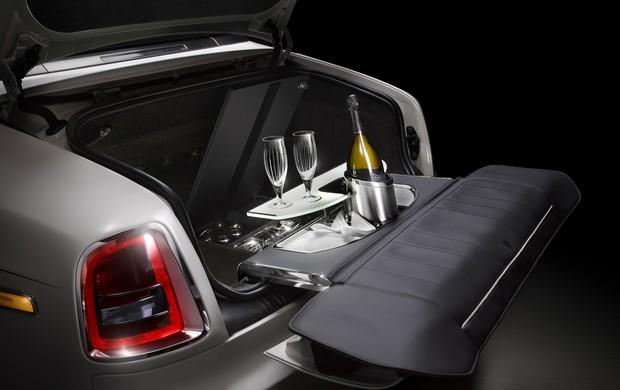 Марка Rolls-Royce выпустит «прощальную» серию Phantom 4