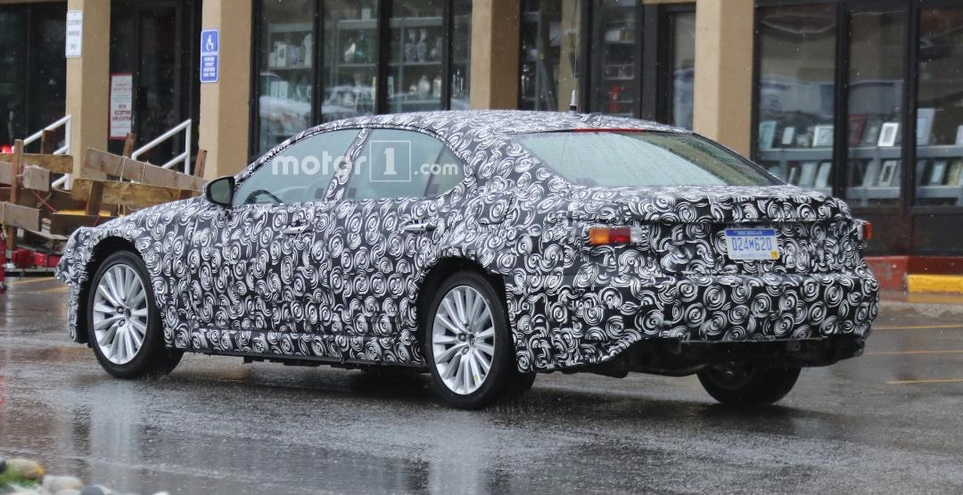 Lexus выпустит седан на базе Toyota Prius 2