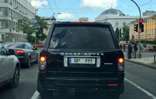 В столице Украины замечен Range Rover с номерным знаком «высшей пробы» 1