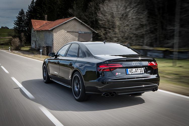 Под капотом обновленной Audi A8 Plus теперь 705 л.сил 1
