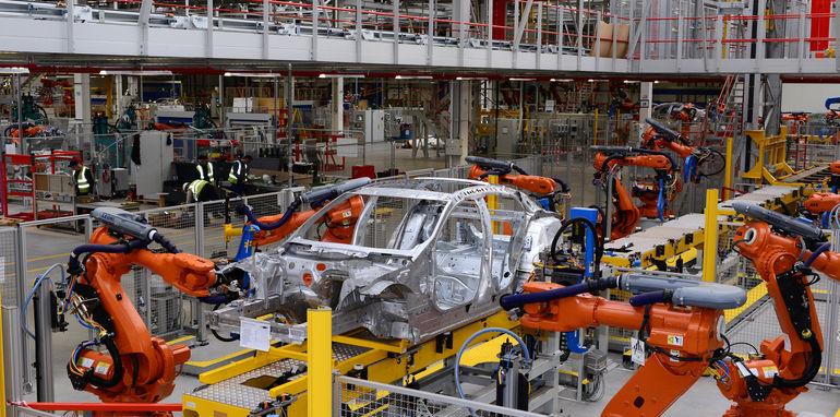 Jaguar Land Rover выпускает модели из металлолома 4