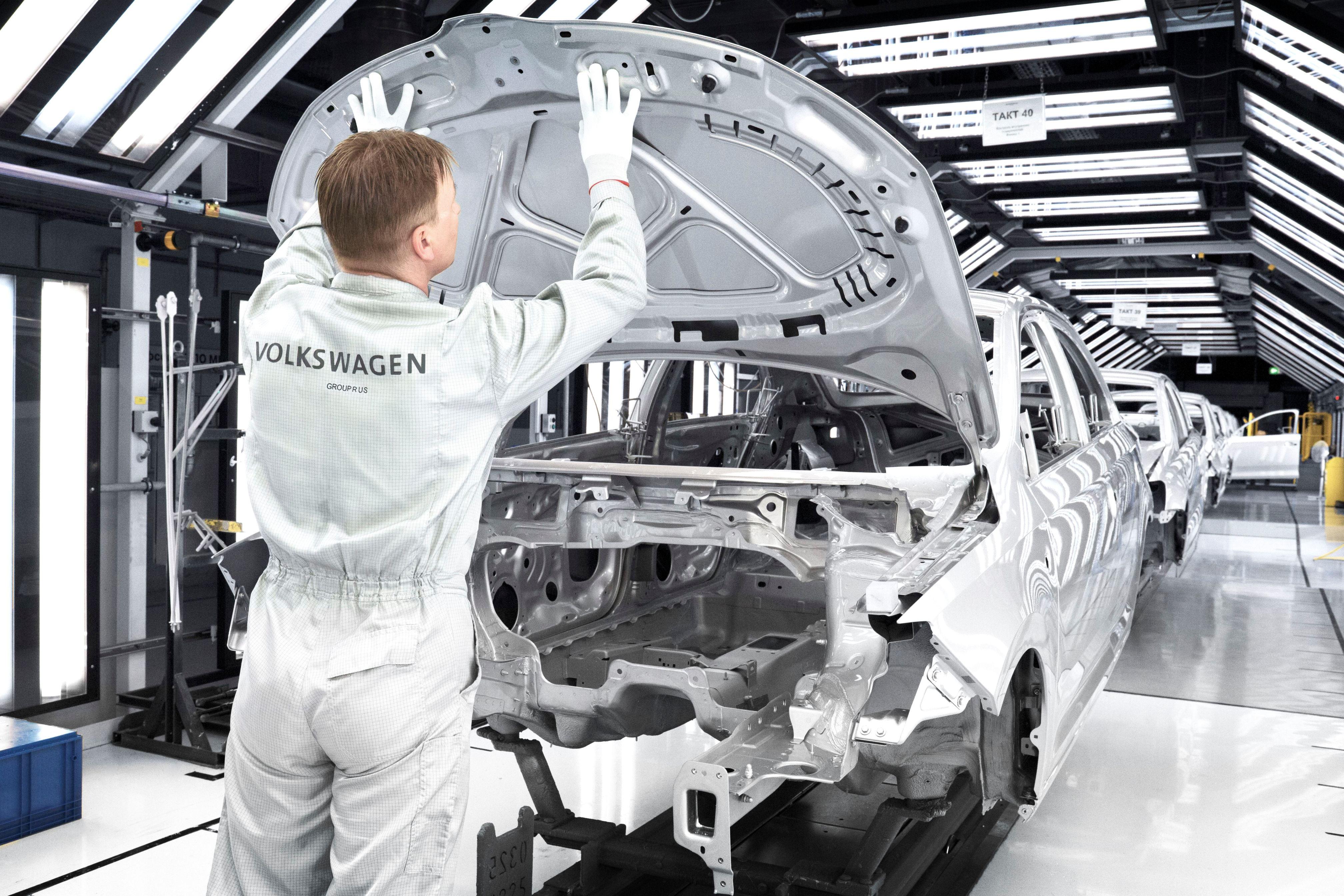 Компания Volkswagen выплатит сотрудникам по 4 000 евро премии 1