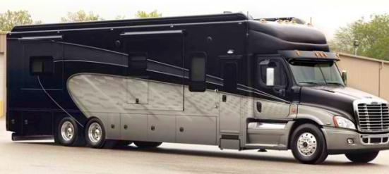 В Америке появятся необычные грузовики для перевозки пассажиров 1