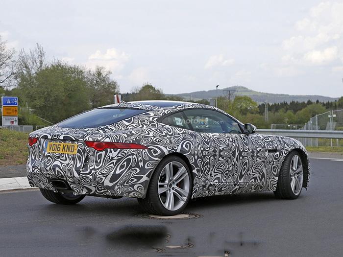 Компания Jaguar тестирует конкурента Porsche 718 Cayman 2