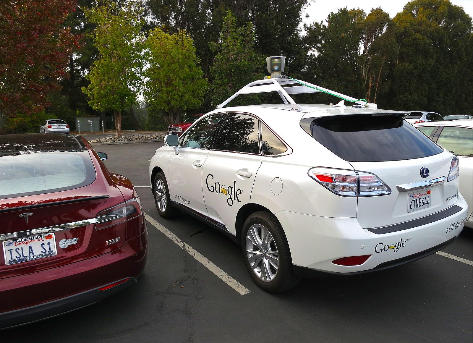 Компания Google нанимает людей для тестов беспилотных автомобилей 1