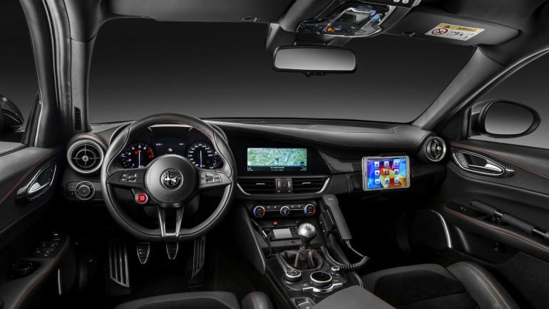 Alfa Romeo сделала роскошный подарок итальянским карабинерам 2