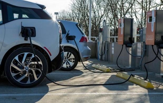 В Японии число станций зарядки для электромобилей превысило количество бензиновых АЗС 2