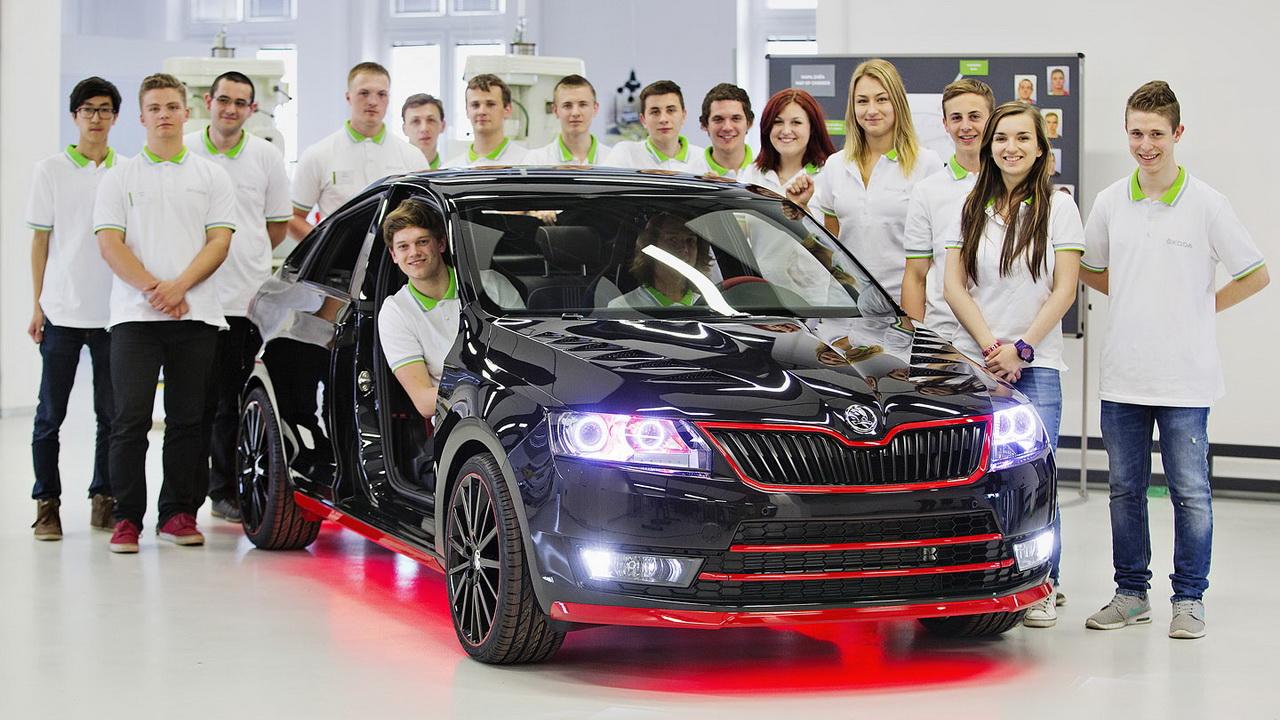 Студенты переделали лифтбэк Skoda Rapid в купе 1