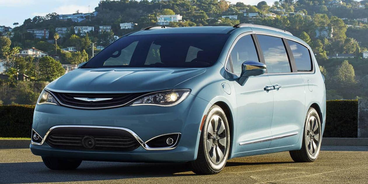 Google оснастит автопилотом минивэн Chrysler Pacifica 1