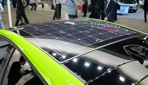 Toyota представила Prius с солнечными батареями на крыше 1