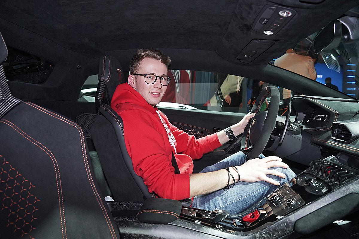 «Неистовая мощность»: тест-драйв Lamborghini Huracan 1
