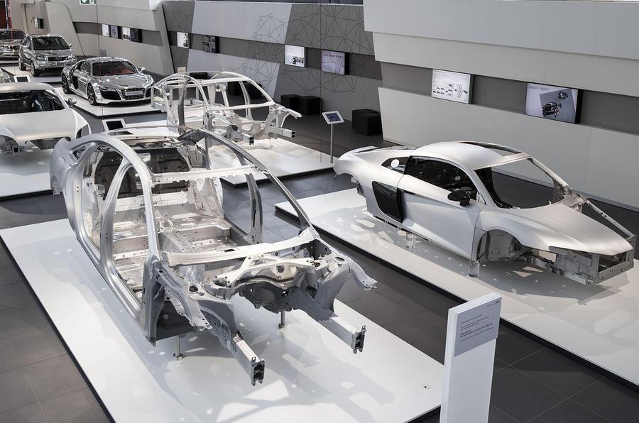 В компании Audi рассказали о составе кузова новой A8 1