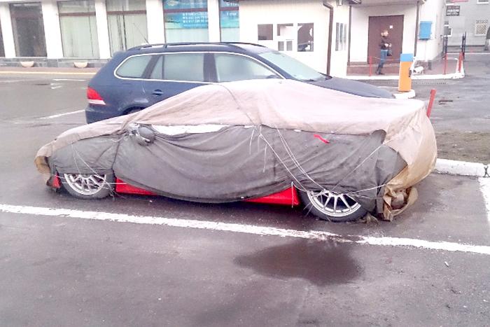 На парковке «забыли» редчайший суперкар 2
