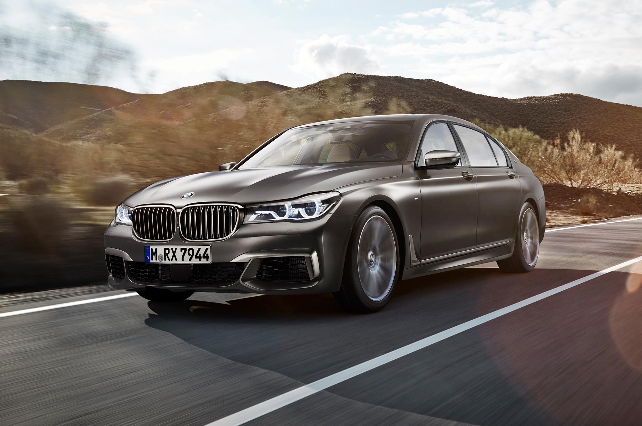 У самой мощной «семерки» BMW «утекает масло» 1