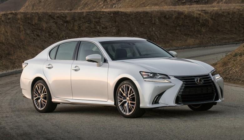 Компания Lexus снимает популярную модель с производства 1