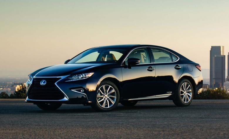 Компания Lexus снимает популярную модель с производства 2