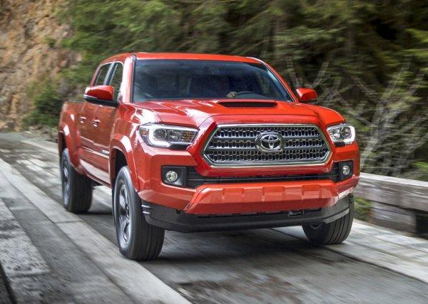 Компания Toyota срочно отзывает четверть миллиона машин 1