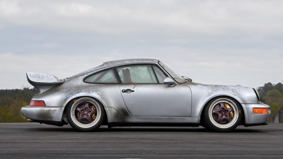 На аукцион выставили Porsche «без пробега» 1