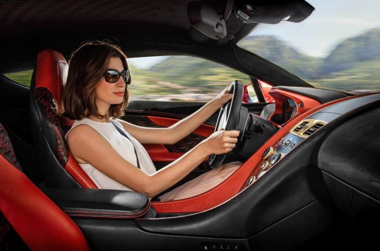 Aston Martin представит «очень эксклюзивную модель» 2