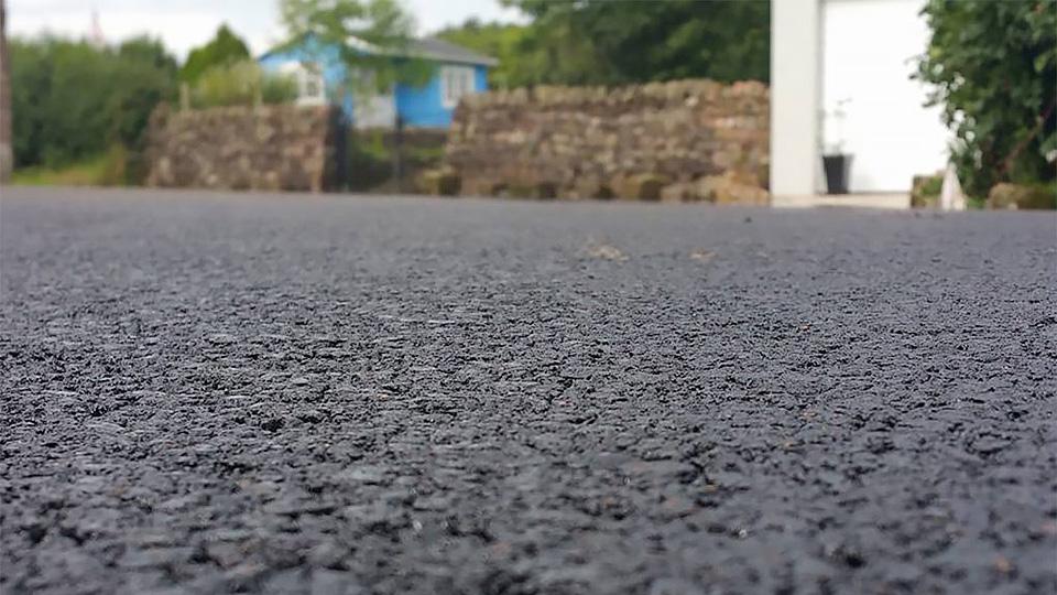 Британцы начали делать дороги из пластика 1