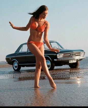 Как разрекламировать автомобиль «при помощи девушек» 2