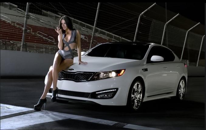 Как разрекламировать автомобиль «при помощи девушек» 3