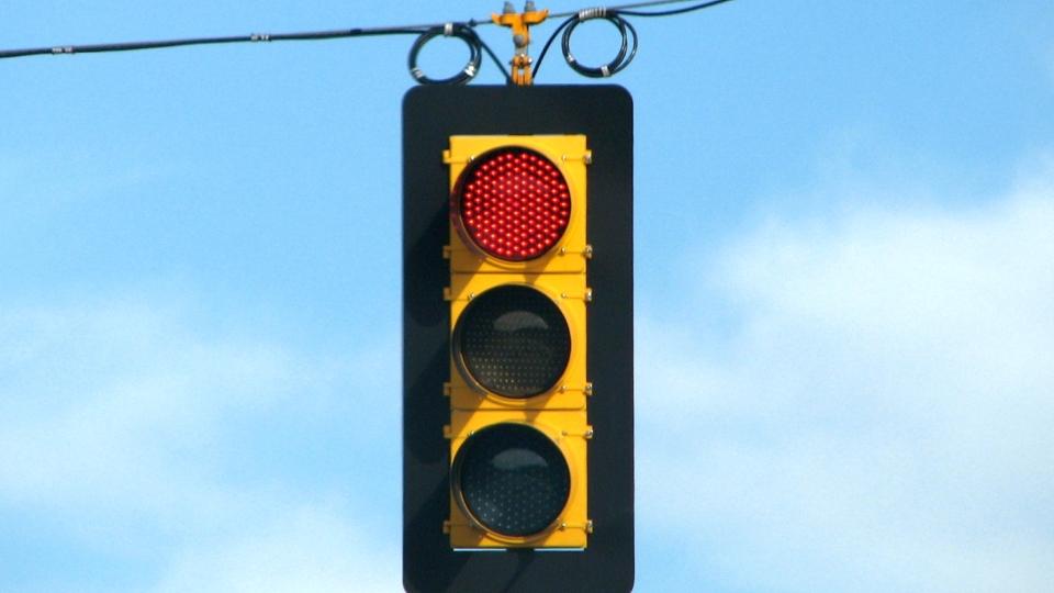 Автомобилиста, вычислившего ошибку в работе дорожных камер, оштрафовали 1