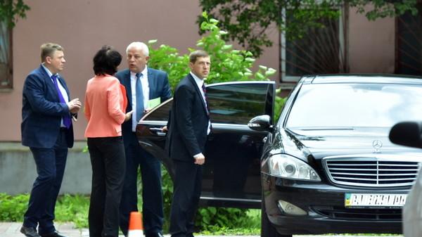 На каких машинах ездят украинские министры 1