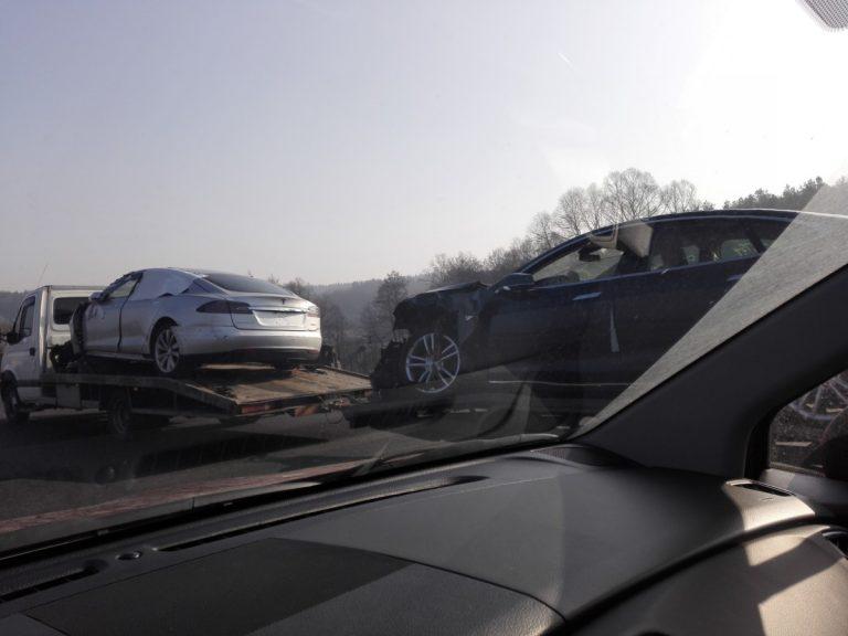 В Украину «хлынул поток битых Tesla» 2