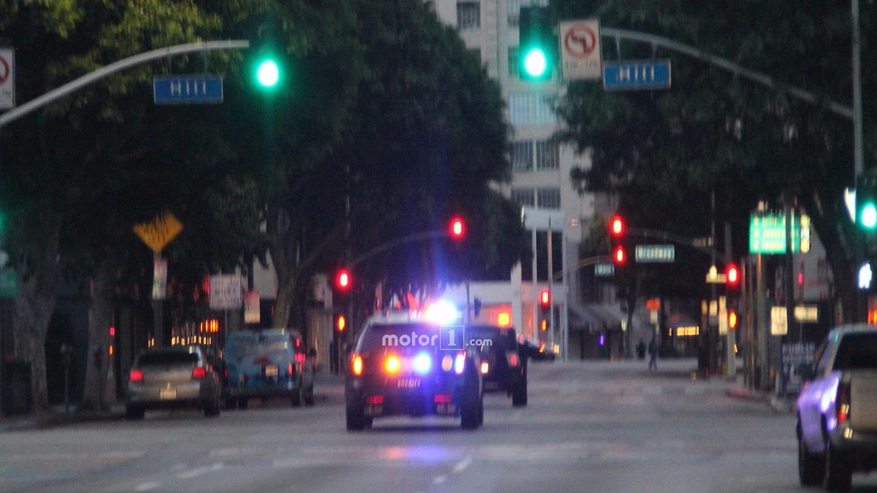 Тестовый прототип Jeep Wrangler остановила полиция 1